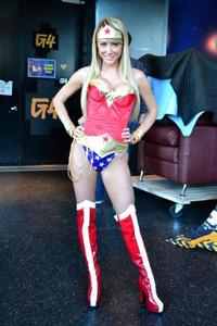 Сара Жан Андервуд, фото 580. Sara Jean Underwood as Wonder Woman Attack of the Show - 17/02/11*LQ, foto 580,