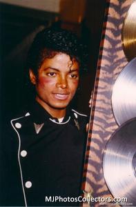 1983 Thriller Certified Platinum Th_947929246_med_gallery_8_119_2626966_122_420lo