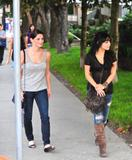 th_21185_ash-vanessa-vancouver-shopping-09_123_466lo.jpg