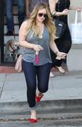 http://img242.imagevenue.com/loc477/th_012009516_Hilary_Duff_Nine_Zero_One_Salon13_122_477lo.jpg