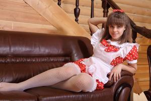 http://img242.imagevenue.com/loc529/th_105232812_tduid300163_Silver_Sandrinya_maid_1_074_122_529lo.JPG