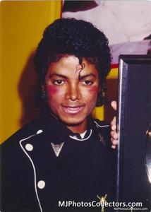 1983 Thriller Certified Platinum Th_947773878_med_gallery_8_119_16079_122_533lo