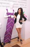 Kim Kardashian (Ким Кардашьян) - Страница 5 Th_88042_KimKardashian_shops_at_the_eBay_Holiday_Store_14_122_537lo