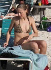 Retro Bikini Michelle Kosinski In Brown Bikini On The Beach