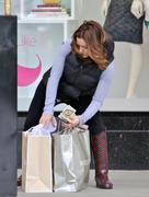http://img242.imagevenue.com/loc586/th_813496298_Alyssa_Milano_shops_at_Nordstroms2_122_586lo.jpg