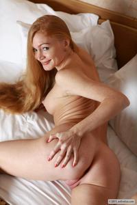 [Image: th_664481529_Ariel_averotica_long_hair_4_122_62lo.jpg]